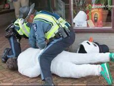 frosty-the-snowman-arrested