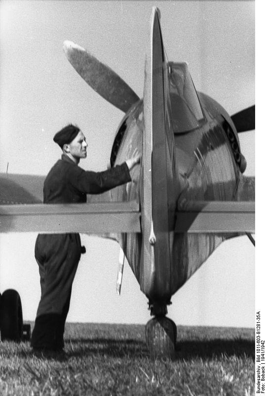 ドイツ空軍ルフトバッフェ写真集:He-111,Ju-87,Bf-109,Fi-156;鳥飼行博研究室