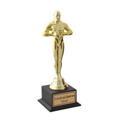 Hollywood'un ünlü Oscar ödülü bu sene sizin belirlediğiniz öğretmene gitsin! Kişiye Özel İsim Yazılı Oscar Başarı Ödülü ile yılın en iyi öğretmenini seçecek, öğretmeninizi de gururlandıracaksınız. Ürüne ulaşmak ve sipariş vermek için: http://www.hediyedenizi.com/hediye/kisiye-ozel-isim-yazili-oscar-basari-odulu-2/