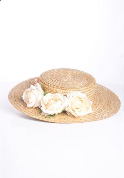 Canotier de copa baja y flores blancas