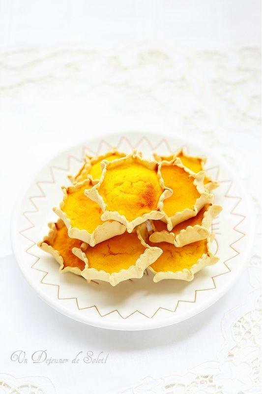 Un dejeuner de soleil: Pardulas, tartelettes à la ricotta, citron et safr...