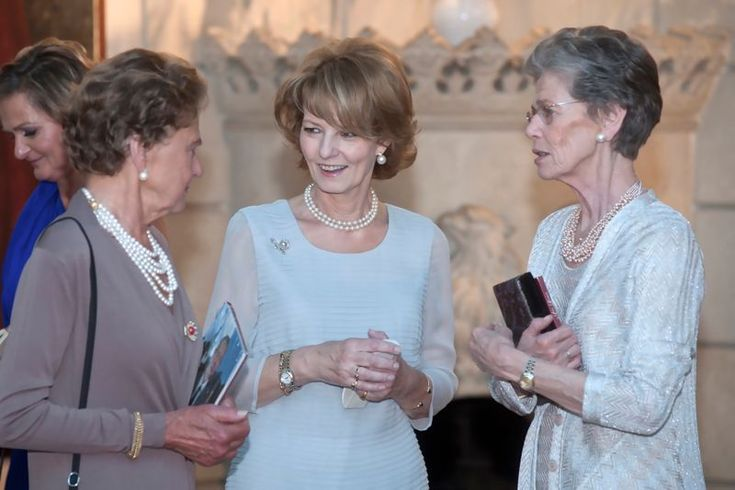 Crown Princess Margarita of Romania with her father's cousins Archduchesses Elisabeth & Maria Magdalena of Austria