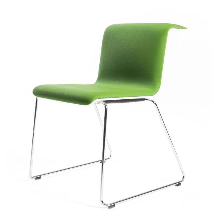 TAB Chair est une chaise polyvalente, destinée aux marchés résidentiels et commerciaux.  Son design spécifique - le dossier plié en accoudoir -favorise les postures relâchées et la rend très maniable.Piétement luge chromé ou noir. Hauteur fixe. Coque laquée en differentes couleurs ou en placage. Revêtement tissu ou cuir.