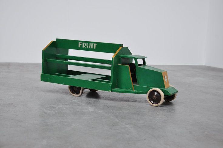 Ado Ko Verzuu toy truck Groenten Fruit ca 1939:  Groenten & Fruit truck (Vegetables & Fruit) and has original Bijenkorf sticker and price on the bottom, de Bijenkorf sold a lot of Ado furniture in the 30s-60s.