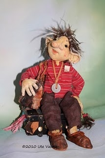 Mouni missouri troll closet midget
