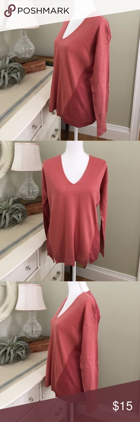 Rusty/Red Pink Two-Toned V Neck Top This comfortable two-toned top from Old Navy features long sleeves, a v neckline and solid angle pattern. Size: M.  #0099 Old Navy Tops