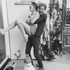 Resultado de imagen para boy and girl hipster tumblr