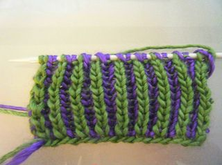 Two-colour brioche stitch tutorial by Ilana MacDonald and offered as a FREE tutorial instruction via Ravelry