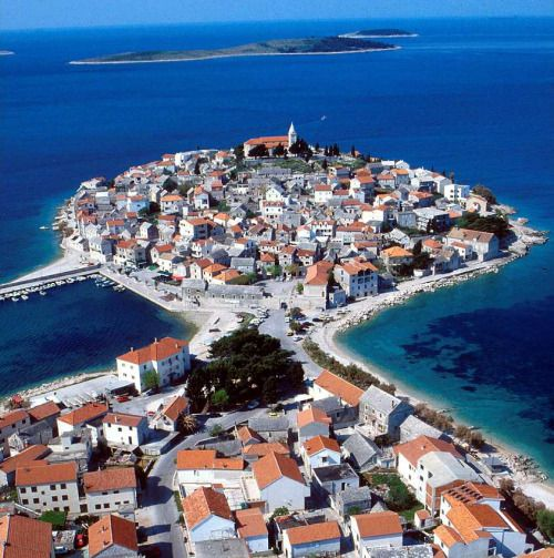 Primosten is not an unknown name to visitors of Croatia. This charming settlement can be found in region of Dalmatia, between two larger towns of Sibenik and Trogir.