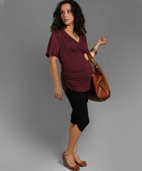 Pregnant burgundy top   www.2amores.com