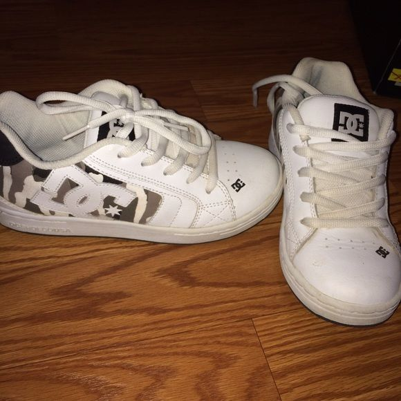 DC Skate Shoes White with Camo skate shoes. Youth size 5. I wear a women's 6. Only worn a few times. DC Shoes