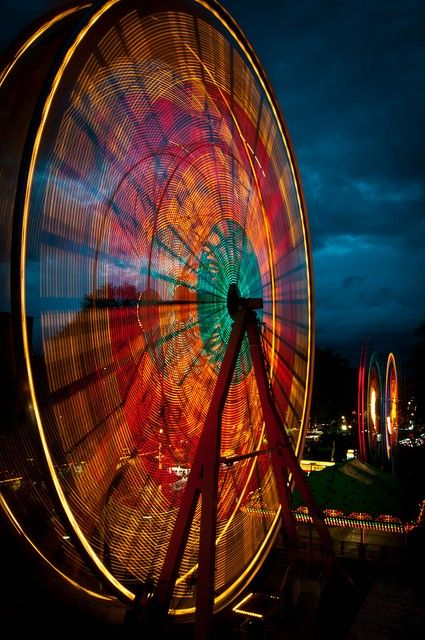 Slow shutter speed on Ferris Wheel | COLORful