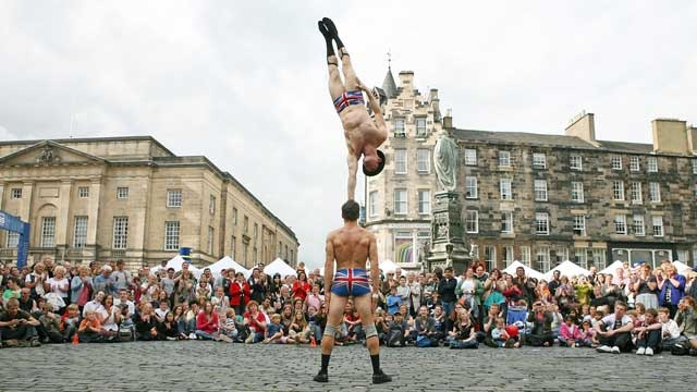 Just one of the many amazing things to be seen at The Edinburgh Festival. #edfest #edinburgh