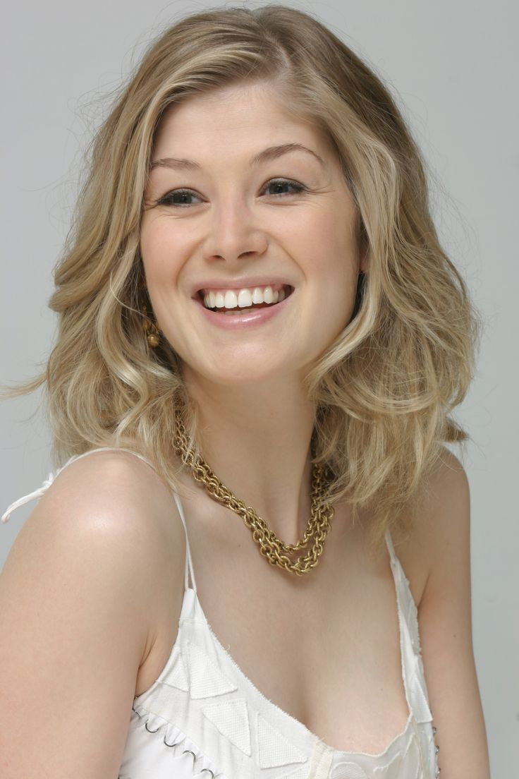 Rosamund Pike As Nanna The Fourth Daughter Of Freyja By