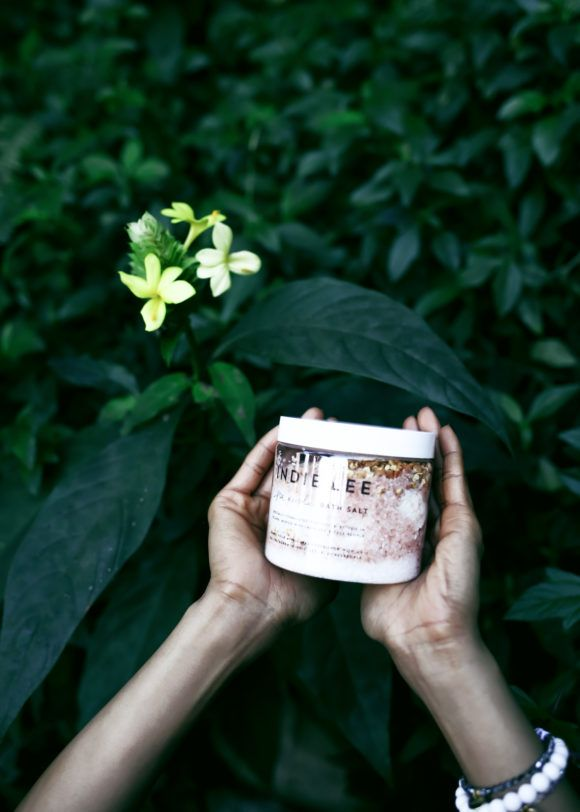 Summertime skincare tips by Indie Lee now live on Free People's Blog 25. #indielee