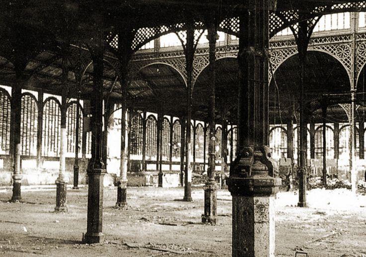 Antiguo mercado de la Cebada de Madrid antes de su demolición en 1956.