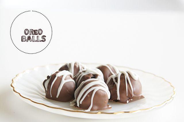 EASY Oreo Truffles ~ www.ButterwithasideofBread.com #oreo #truffles