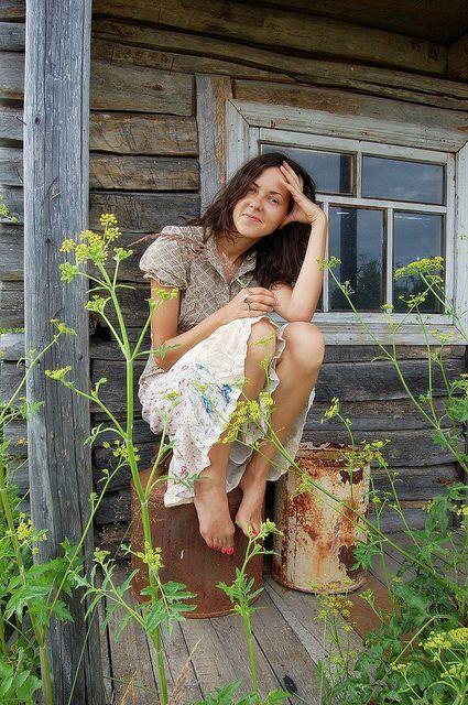 Деревенская девушка #платья #босиком #жестко