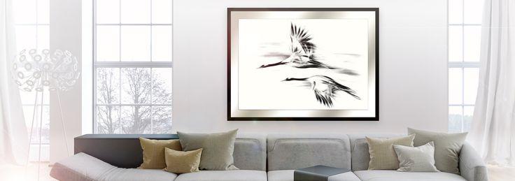 Obraz Żurawie 2. Seria Shanghai.   Wyjątkowy, ponadczasowy i klasyczny obraz.  Wnętrza w stylu skandynawskim cieszą się w Polsce dużym zainteresowaniem. Jasność, lekkość i nieformalny design wpływa pozytywnie na atmosferę domu. W naszej Galerii znajdą Państwo motywy ptaków, ważek, roślin i drzew w stonowanej kolorystyce, które idealnie wpisują się w powyższe założenia.