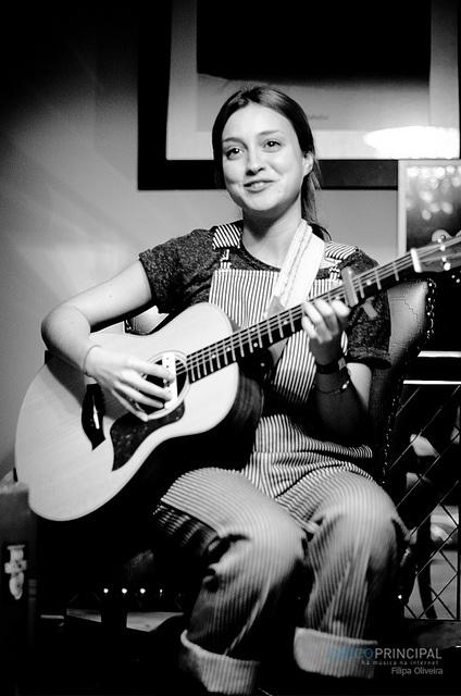 Lourdes Hernández (Russian Red)