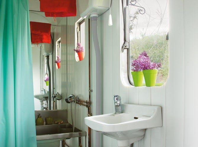 Minimalistisches Bad Design, Bohemian Badezimmer, Französisch Bohemian,  Mobilheime, Vintage Anhänger, Vintage Camper, Holzhäuser, Mein Haus, Ecke