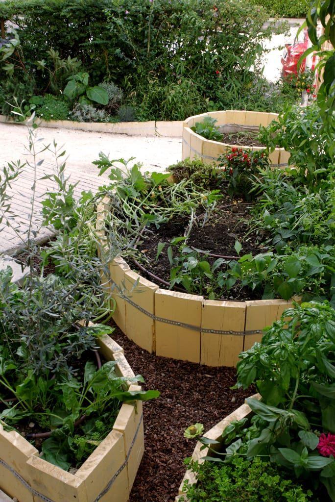 L Orto Giardino Dei Bambini Giardino In Stile Rustico Di Atelier Delle Verdure Rustico Nel 2020 Giardino Orto E Stile Rustico