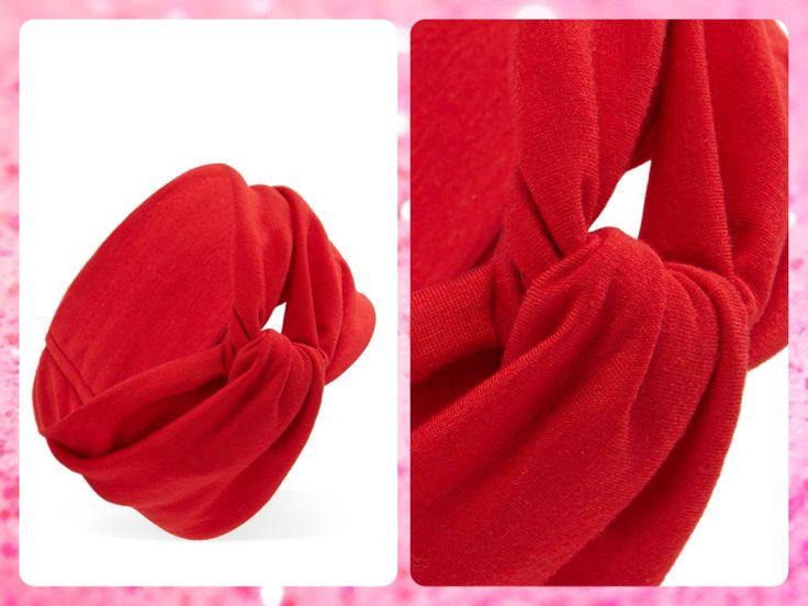 ***AGOTADO*** #MayaBoutiqueCR Forever 21  Código: FA-25 Knotted knit #headwrap Color: Red Precio: $10,10 (¢5.500) Para pedidos y consultas llamar al teléfono 8963-3317 o al email maya.boutique@hotmail.com.