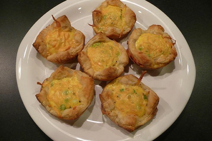 Crustless Breakfast Quiche Muffins: Breakfast Yummy, Breakfast Quiches, Crustless Breakfast, Brunch Recipes, Tasti Recipes, Sausages Quiches, Healthy Recipes, Favorite Recipes, Quiches Muffins