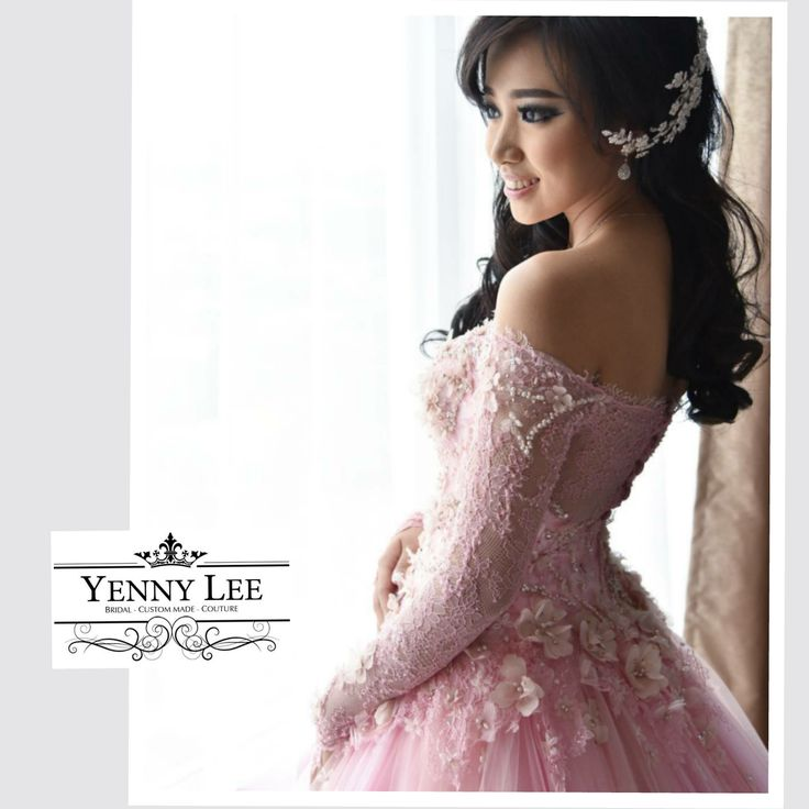 A wedding dress collection has no words until it wore by perfect bride.  A collection from Yenny Lee Bridal Couture | www.yennyleecouture.com | +62 812 1741 1038 | Instagram : @yennylee_couture