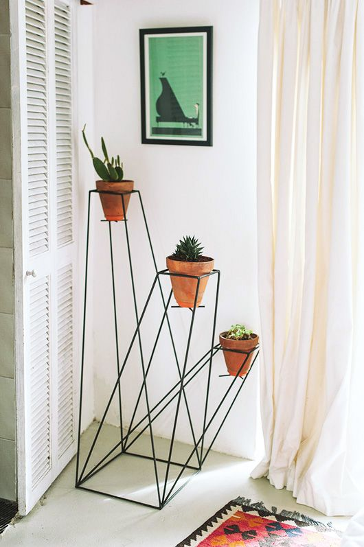 plant stand / home of rebecca + bruce meissner, via our gathered home.