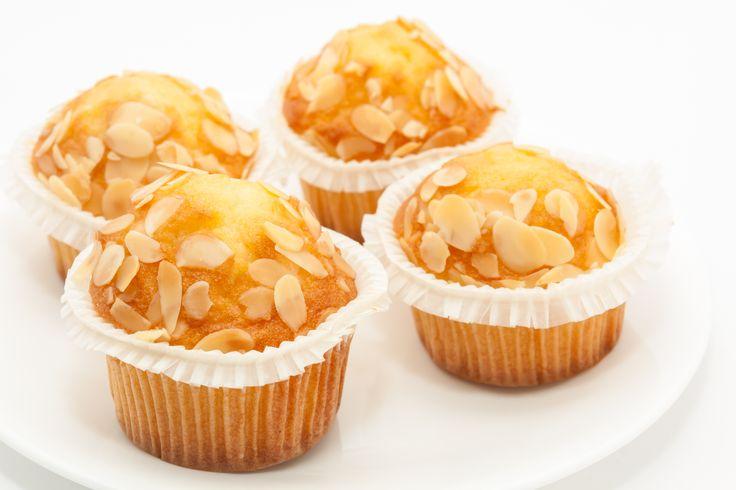Recept: Koolhydraatarme amandel-honing cakejes - Koolhydraatarme amandel-honing cakejes staan in mijn top5 van zoete en suikervrije lekkernijen. Normaal wordt honing cake gezoet met echte honing, wat vol suikers zit en dus niet geschikt is voor diabetici. Daarom zijn deze koolhydraatarme amandel-honing cakejes een meer dan welkom alternatief want deze cakejes bevatten geen suikers en minder koolhydraten. De honing werd vervangen […]