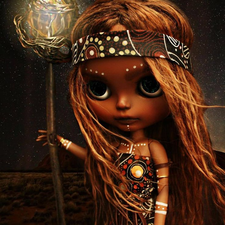 """""""Amazing Aboriginal sun goddess blythe by @mydeliciousbliss for the upcoming """"Fairies and Folklore"""" international blythe exhibition opening night 7th…"""""""