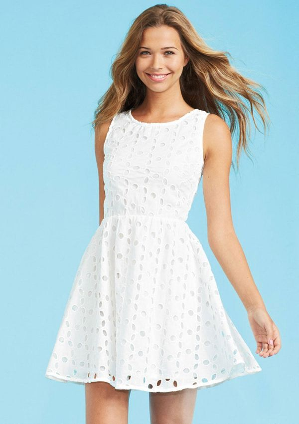 7. White Eyelet Dress - 7 Back to School Dresses That Will Make a Statement ... → Fashion