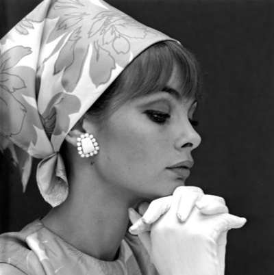 Jean Shrimpton. Famous model who was notorious for wearing a silk scarf