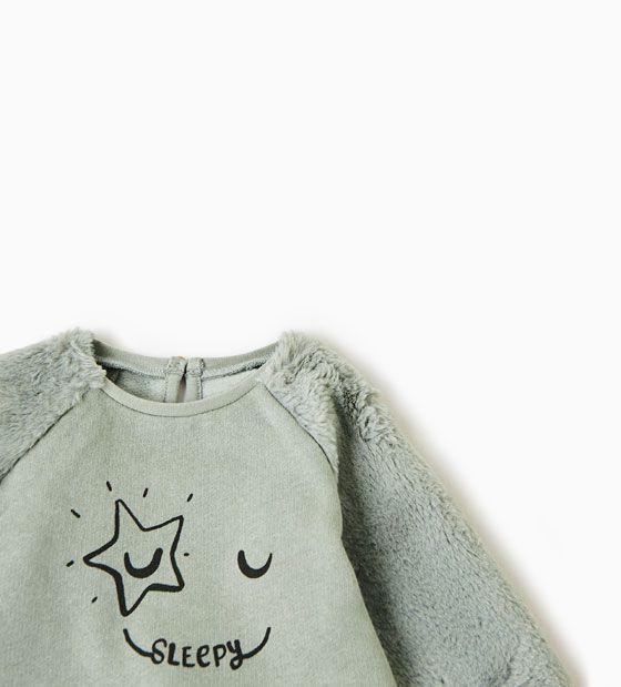Imagem 2 de SWEATSHIRT MANGAS PELO SINTÉTICO da Zara