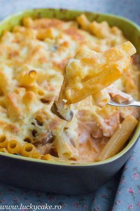 Paste al forno cu sunca si ciuperci, noi iubim pastele, reteta e perfecta pentru acele zile obositoare , cand ai nevoie de ceva eeextra bun ;)