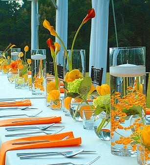 Wow, this is gorgeous!  Who says adults can't have a goldfish themed party!  :)