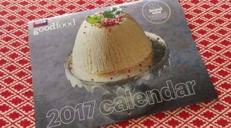 Tips: doe wat leuks met zon gratis kalender Geschreven door Cecile Bol voor Eigenwijs Blij.  Elk jaar krijg ik er wel twee of drie zo medio november begin december: gratis kalenders. Leuk gebaar maar wat moet je met zo'n ding? Gezamenlijk dingen hebben we digitaal in dit huis voor mijn werk gebruik ik een agenda en op de wc hangt een verjaardagskalender. Toch heb ik door de jaren nog meerdere nuttige leuke dingen kunnen doen met zo'n gratis kalender. Gaat een gratis kalender bij jou meteen…