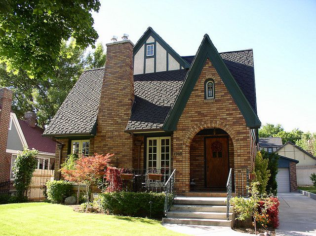 english tudor cottage style love the roof shingles vintage houses pinterest detached. Black Bedroom Furniture Sets. Home Design Ideas