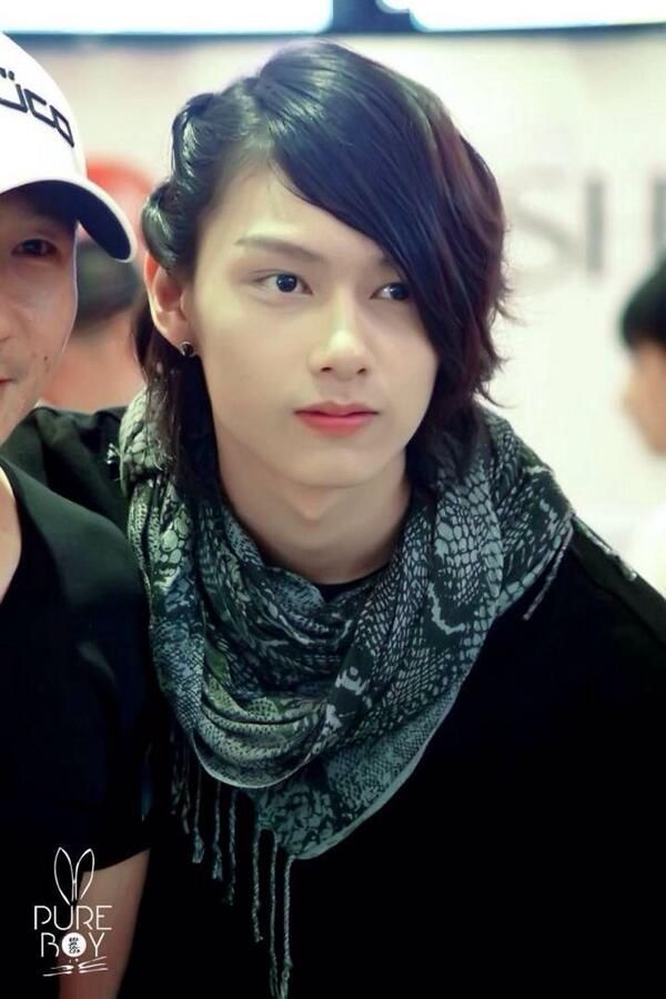 When your guy friend makes a prettier girl than you. #jun