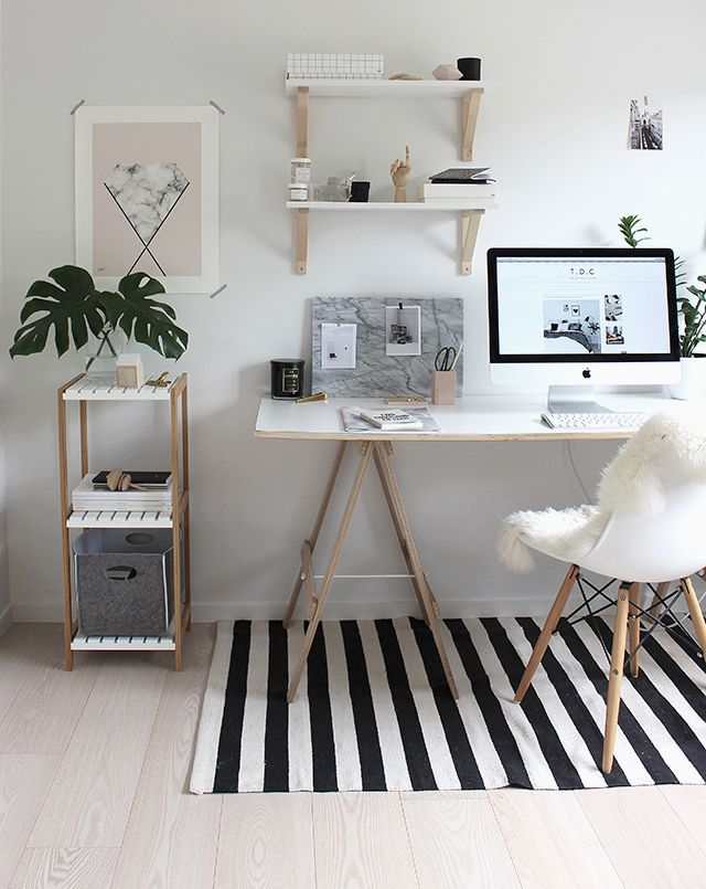 Décoration bureau épuré bois, blanc, chaise Eames