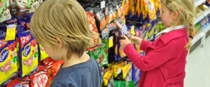 Supermarket shopping with kids: avoiding the pitfalls