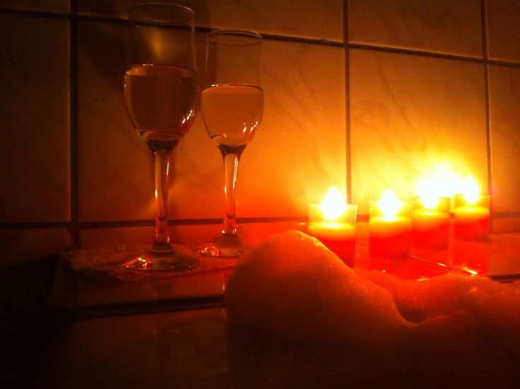 #nighttogether #glassofwine #candels #bubles #love #justthetwoffus