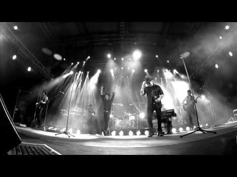 Enrique Bunbury & Andrés Calamaro - Crimen [en directo] (Gustavo Cerati). - YouTube