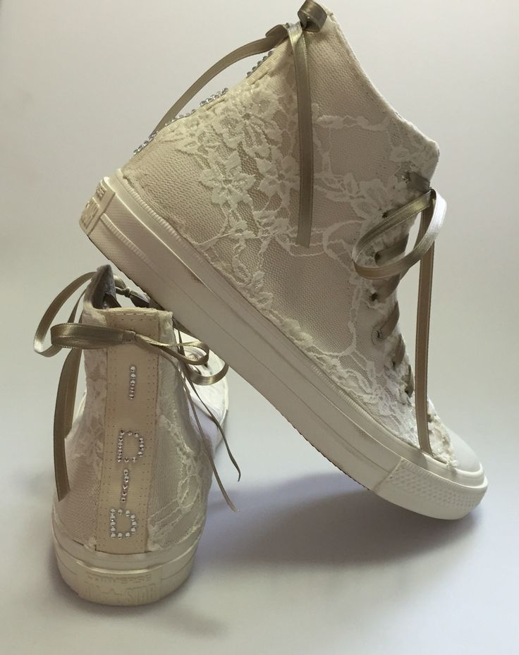 Bridal All Star Converse: handmade customization using pizzo and colors of the Wedding. Info@veronicaamati.com