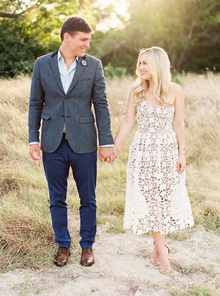 what to wear summer engagement pictures