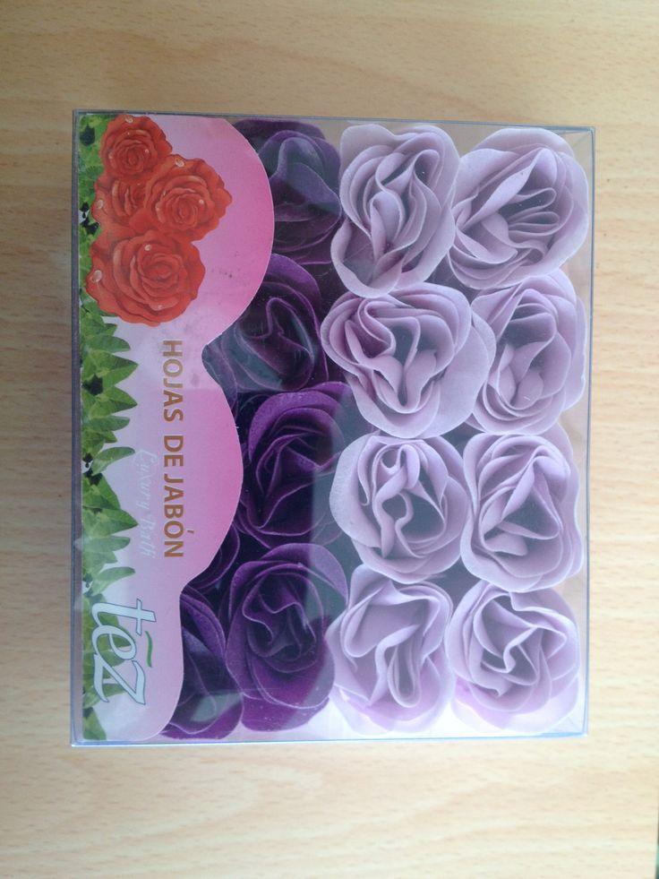 CAJA DE ROSAS Rosas aromatizadas para limpiar y perfumar la piel suavemente. Ideal para decorar espacios y usar en la bañera.