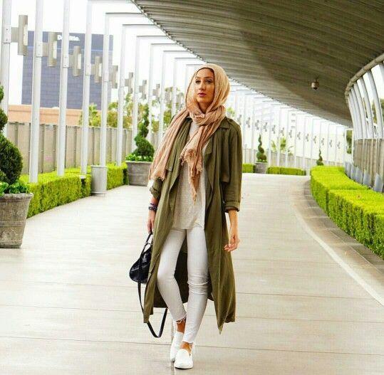 Hijab spring street fashion http://www.justtrendygirls.com/hijab-spring-street-fashion/
