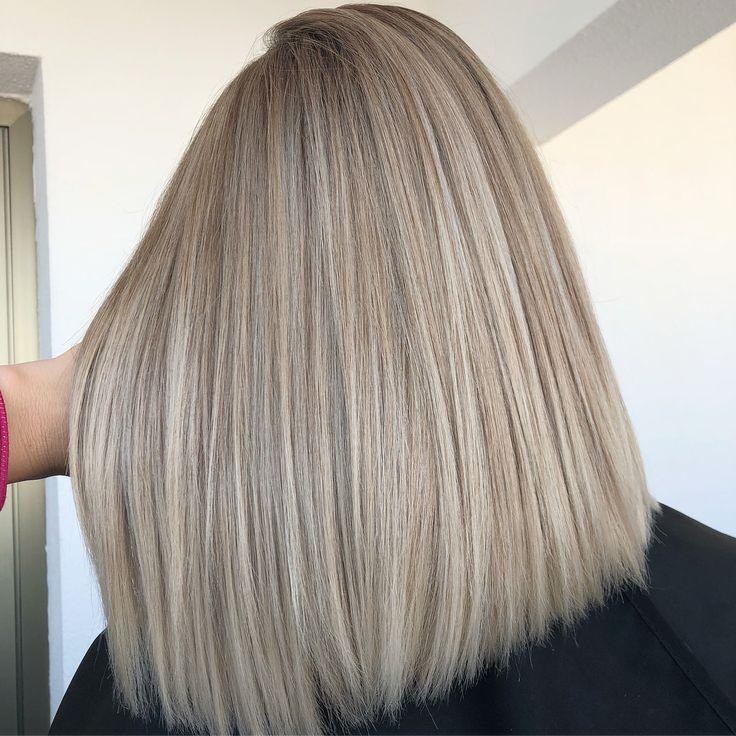 #airtouch ❤️ работа из стори! К-квадрат ◼️ я могу сказать, что это самая сложная схема☝🏻а когда ещё и плохо выдуваются волосы🙈а в «квадрате», это очень нормальная ситуация, то могу сказать - «квадрат»: С-сложно & З-заёб 🙄 #olaplex #ombrehair #bestofhair #blondehair #balaygeombre #behindthechair_com #пространствоbypirania #окрашиваниесочи #волосысочи #стилистсочи #колористсочи #pirania_ya