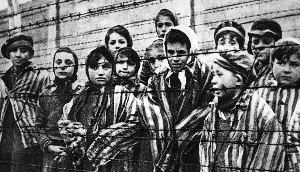 El tesoro documental judío oculto en un confesionario durante el Holocausto   ELESPECTADOR.COM